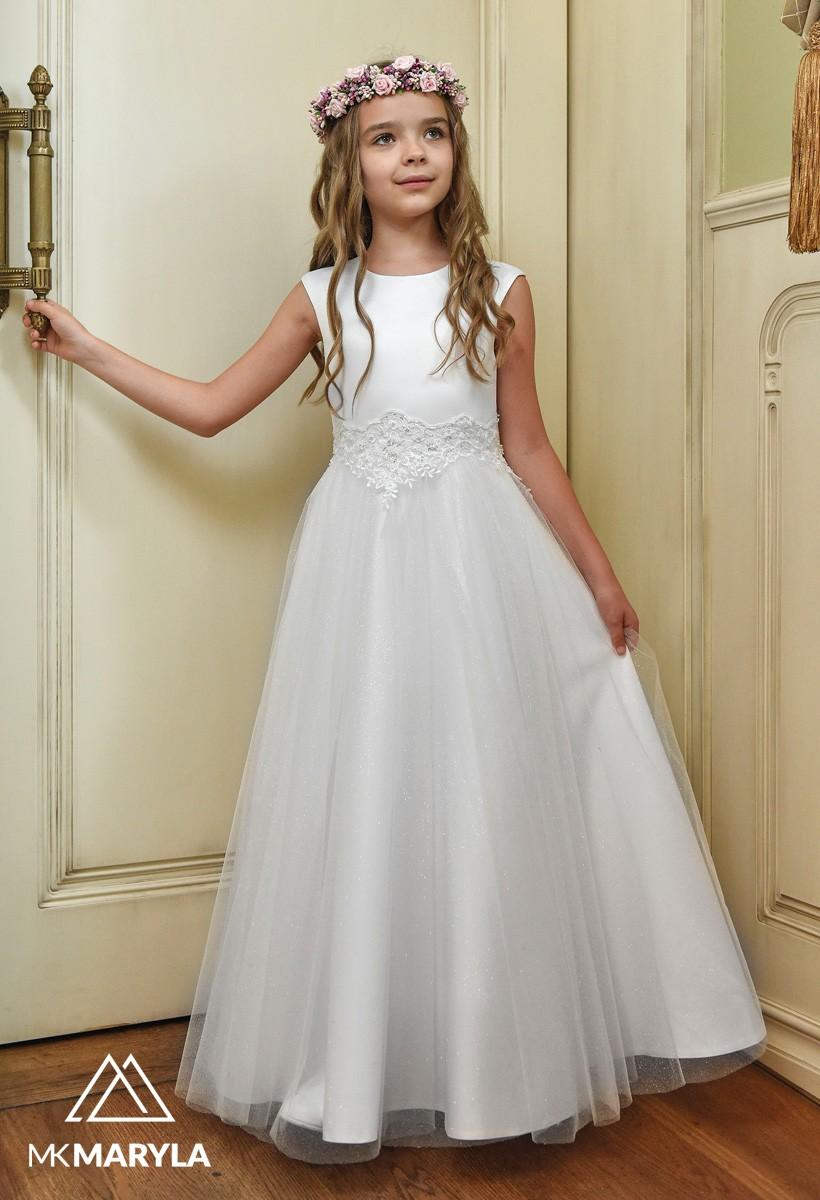 Sukienka z błyszczącym szyfonem i piękną ozdobą