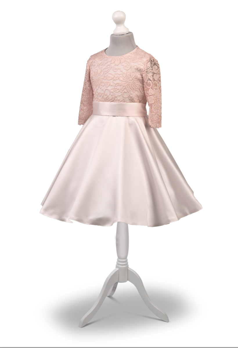 Sukienka okolicznościowa w kolorze delikatnego różu ,tył zdobiony kokardą Maja RO -027