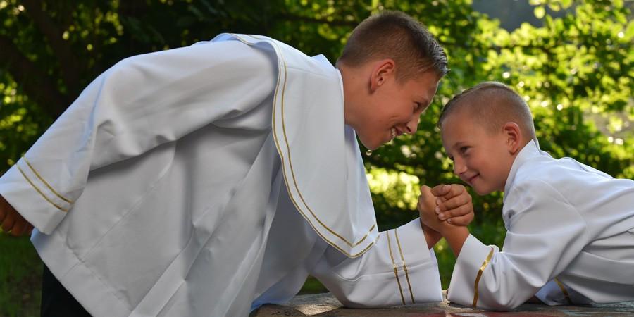 Ministrant - Strant - Maxistrant ;), czyli jak to jest z funkcjami liturgicznej służby ołtarza.